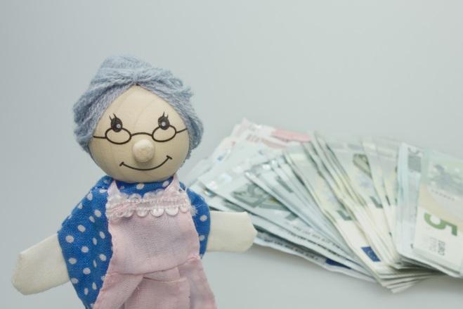wood-play-money-nostalgia-blue-toy-920474-pxhere.com